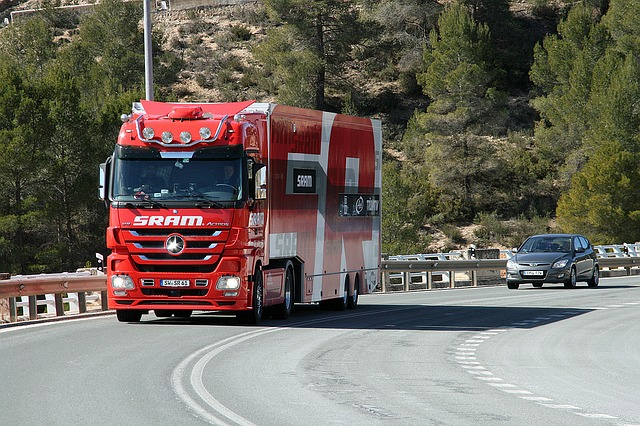 červený kamion
