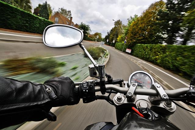 Z pohledu řidiče motorky