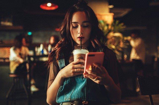 Mobilní telefon jako učebnice